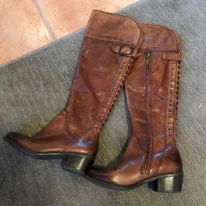 Vince Camuto tall boots w studs n zip Sz.5.5 EUC